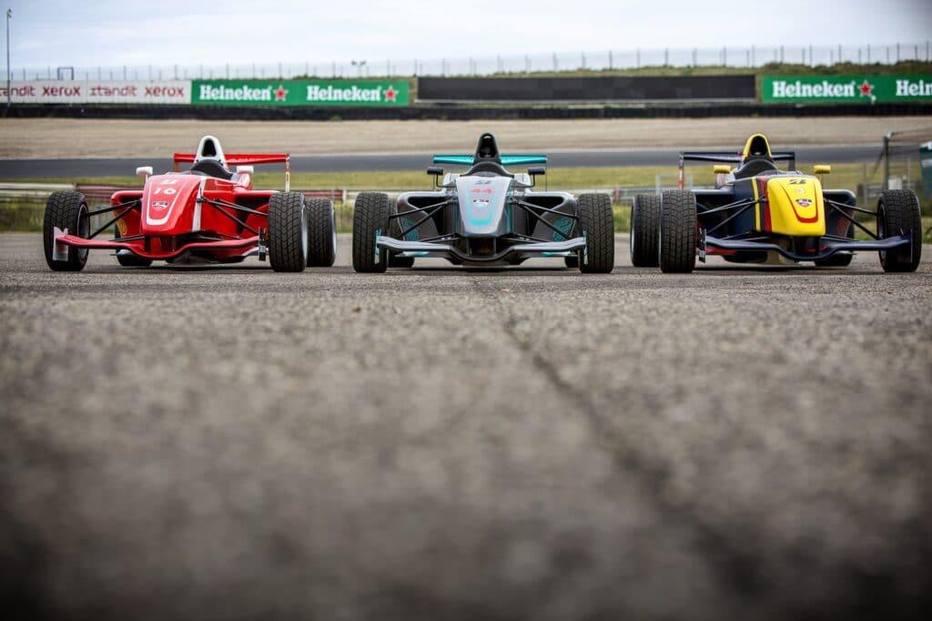 Stap Zelf Achter Het Stuur Van De Formule Rp1 Race Planet
