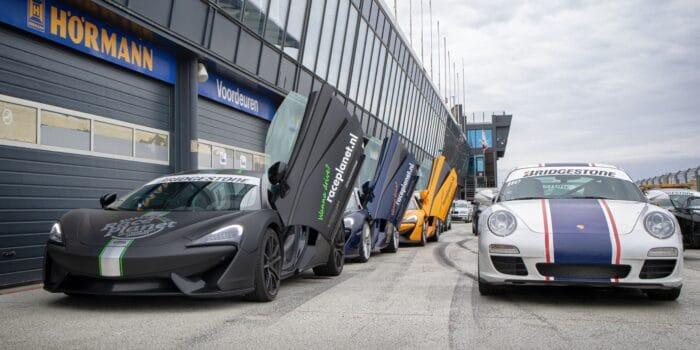 McLaren's en Porsche 911's staan op Circuit Zandvoort klaar voor een Hyper VIP Experience