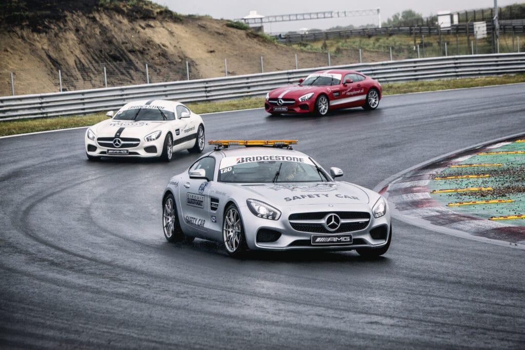 Mercedes-AMG GT's van Race Planet door bocht op Circuit Zandvoort tijdens een Race Experience.