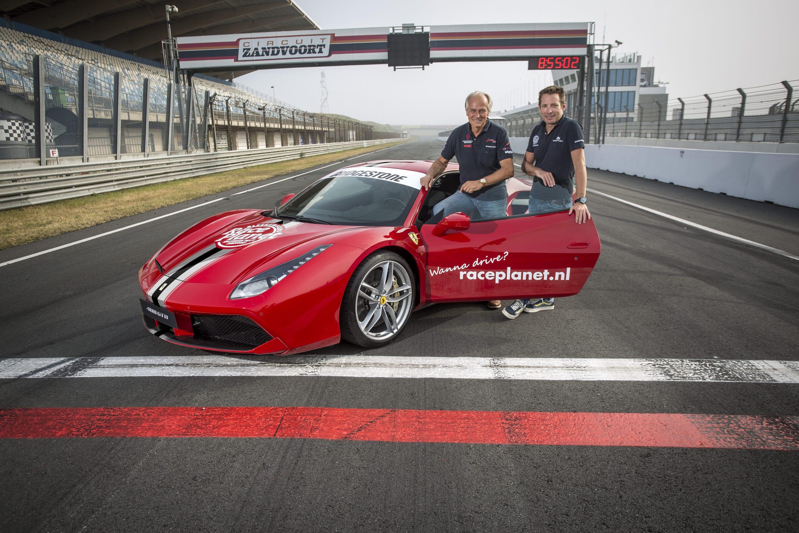 Ferrari 488 GTB op Circuit Zandvoort met Michael Bleekemolen en Sebastiaan Bleekemolen.