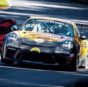 Porsche 911 race auto van Jeroen Bleekemolen tweede plek in 24H series Coppa Florio op Sicilie in een Porsche 911 van Fulgenzi racing met Jeroen Bleekemolen in de 24h series in sicilie tijdens de Coppa Florio