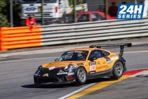 Jeroen Bleekemolen tweede plek in 24H series Coppa Florio op Sicilie in een Porsche 911 van Fulgenzi racing.
